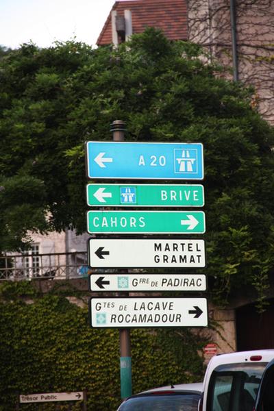Signpost Souillac